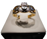 Image for Gold Celtic Knot Weave Claddagh Ladies Ring 14K